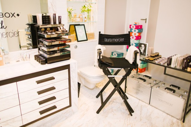 Laura Mercier Room - where we got our make up done