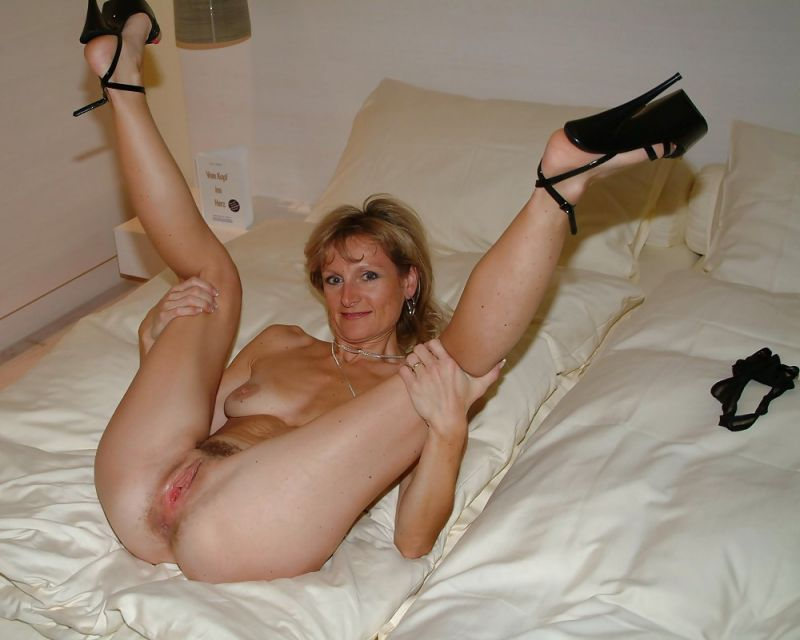 nude legs tumblr