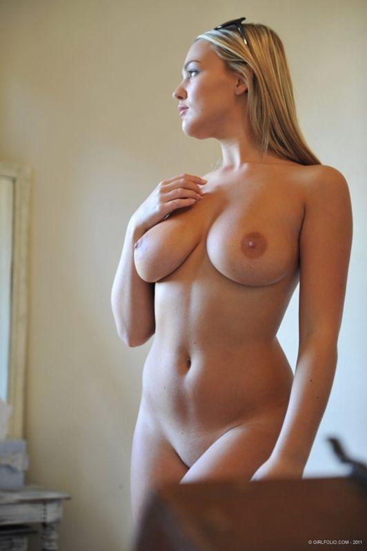 daily nude tumblr