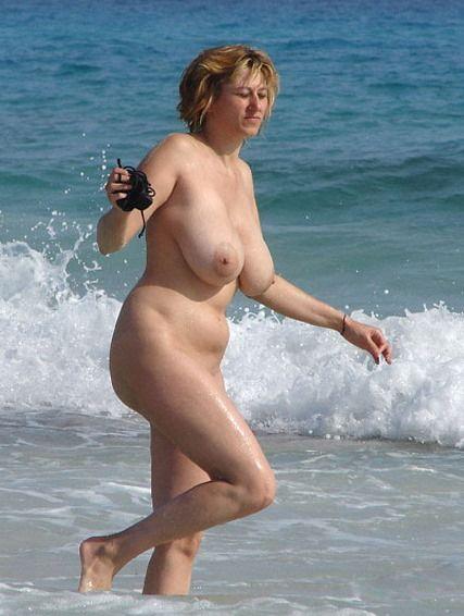 walking naked tumblr