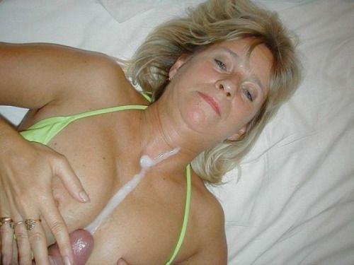 tumblr milf sucking cock