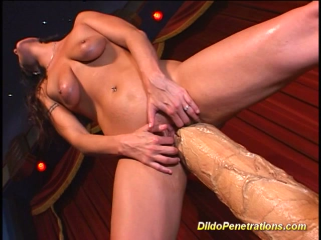 Huge Dildo Double Penetration