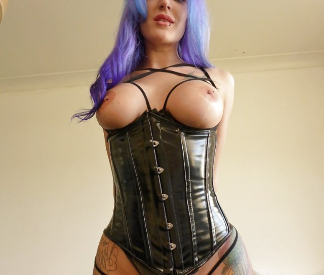 Busty Amateur Fetish Enthusiast Alexxa Vice Strutting In Corset And Boots