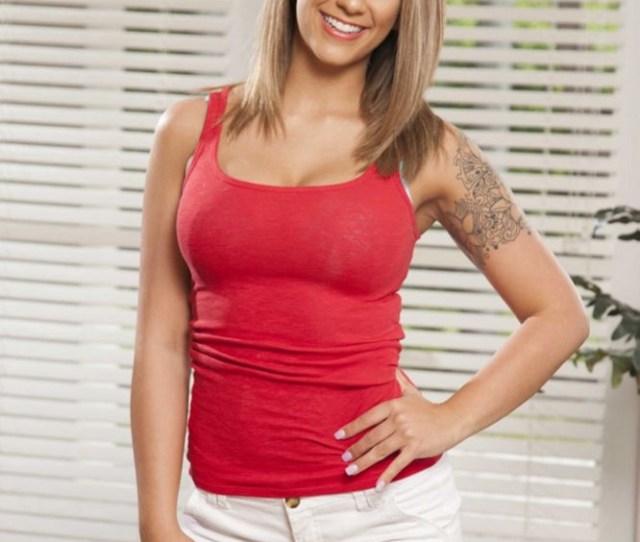 Layla London Beautiful Brunette Babe Page Porn Fan 6