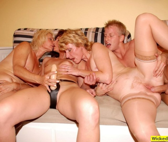 Sex Mom Son Brother Fucks His Sister Free Incest Tgp