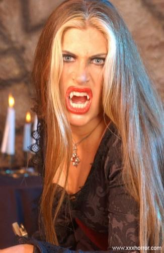 Aria_VampireSlut_0024