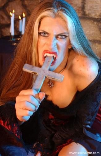 Aria_VampireSlut_0029