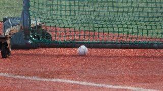 転がっているボール