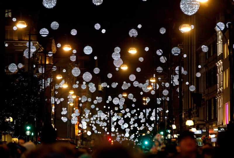the 12 days of christmas oxford street lights