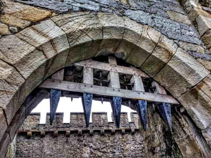 portcullis of Cahir castle