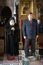 Στο καθολικό της Μονής Βατοπεδίου, σε πλήρη κατάνυξη, το Σάββατο 5 Μαρτίου 2011.