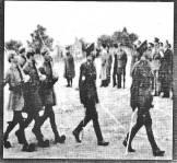 1944-xx-xx - Τάγματα Ασφαλείας Γερμανοτσολιάδες + Αξιωματικοί + Γερμανοί [Από 2000-01-ΙΑΝ-ΑΝΤΕΠΙΘΕΣΗ-ΤΧ#05 - Στέφανος Γκόλιας - Τάγματα Ασφαλείας - antepithesi #5_ian 2000] - Crop