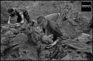 Nova Kasaba, 25/07/1996. Forensic anthropologist William D. Haglund, © Gilles Peress/Magnum Photos