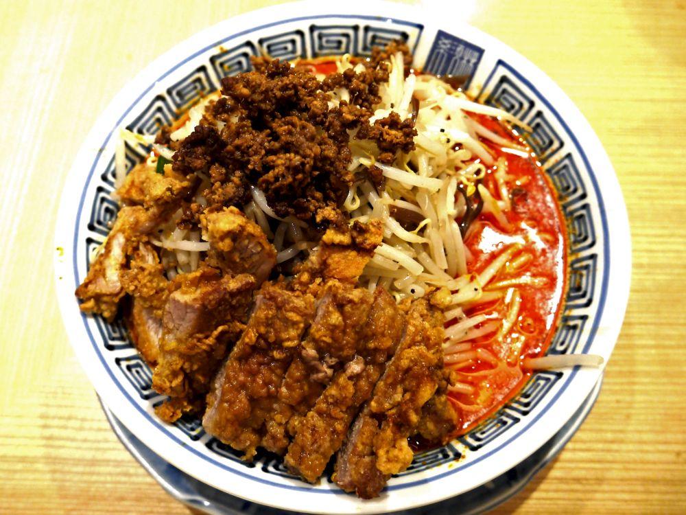 ガッツリ排骨!クリーミーながら辛さがジワァ〜とやってくる担々麺『希須林 担々麺屋』