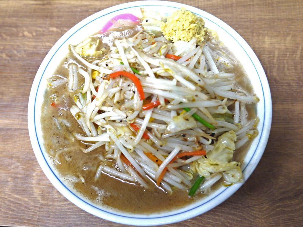 野菜たっぷり!厚生労働省が推奨する成人1日当たりの野菜摂取量350gを頂く『東京タンメン トナリ』