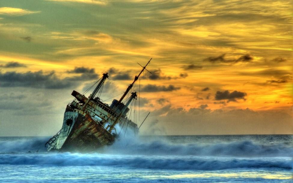 Shipwreck_at_sunset