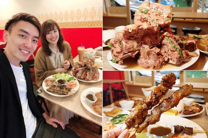 跨國越泰美食搬家了!超浮誇巨型泰式排骨滑山,新竹美食推薦必吃泰式串烤跟越式排骨湯麵