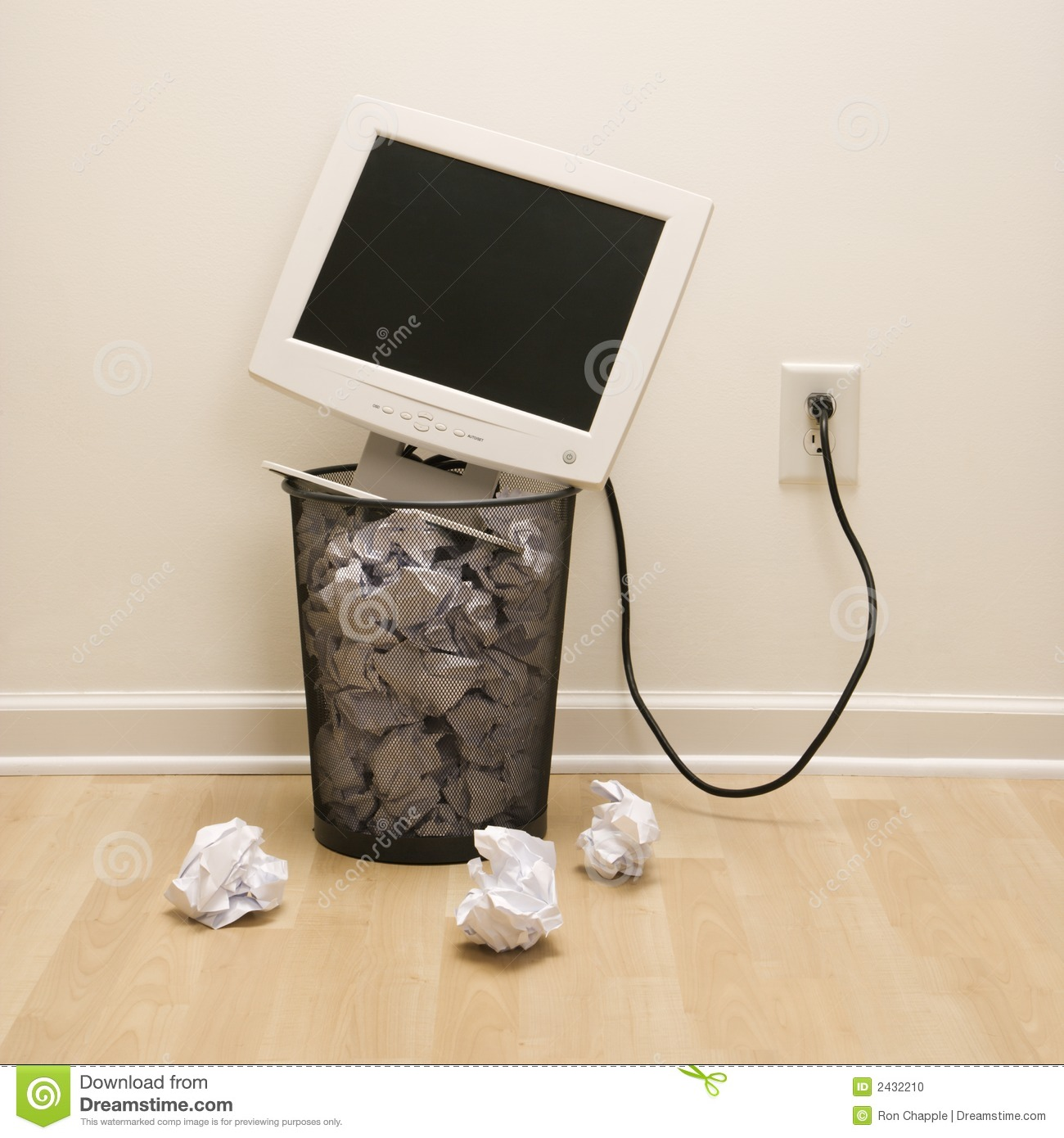 hight resolution of trash clipart monitor computer in can stock svg stock