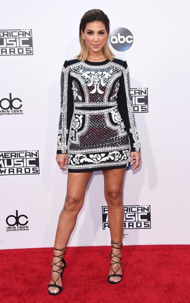 2015-American-Music-Awards-Arrivals-liz-hernandez-