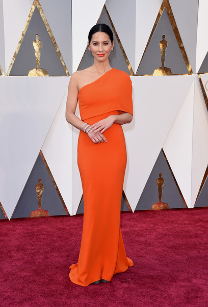 88th+Annual+Academy+Awards+Arrivals+olivia munn- stella Mccarthey