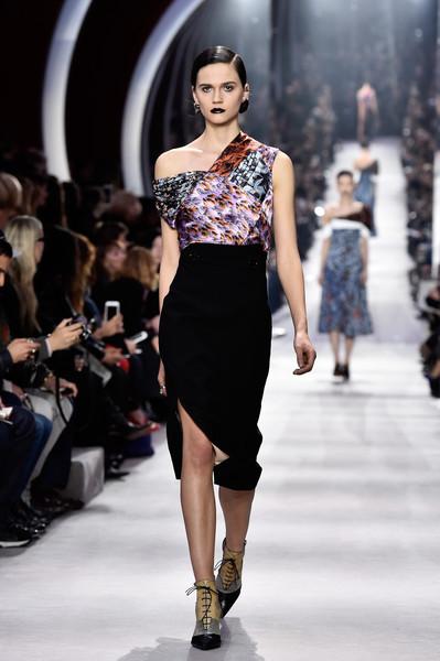 Christian+Dior+Runway+Paris+Fashion+Week+Womenswear+mqG23NcVl6Ol