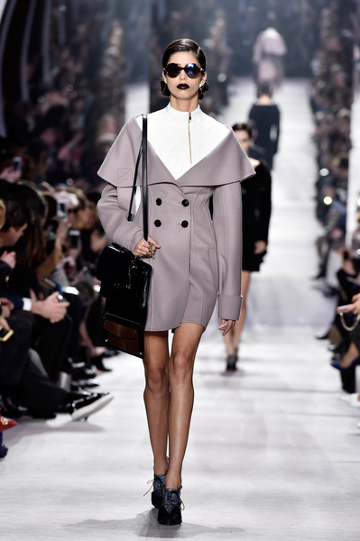 Christian+Dior+Runway+Paris+Fashion+Week+Womenswear+OYOI1pIDWSll