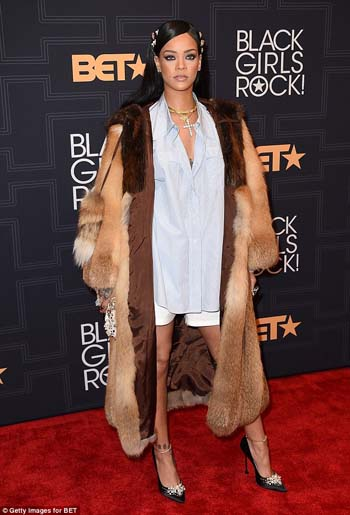 Rihanna-Black-Girls-Rock-Yaa-Somuah