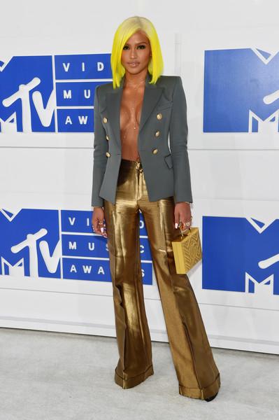 2016-MTV-Movie-Awards-Arrivals-cassie