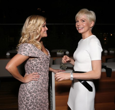 vanity-fair-and-tiffany-co-private-dinner-toasting-yaasomuah-reese-witherspoon-michelle-williams