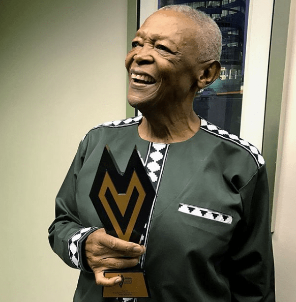 dstv-mzansi-viewers-choice-awards-2017-hugh-masekela