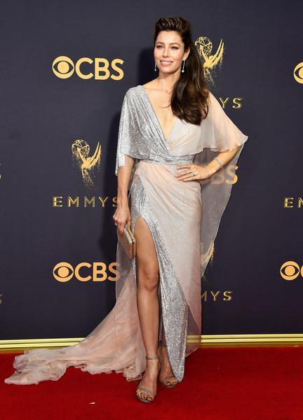 69th-Annual-Primetime-Emmy-Awards-Jessica-Biel-emmys-2017