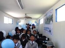 Compartiendo con los niños de Javier Pérez de Cuellar en el telecentro