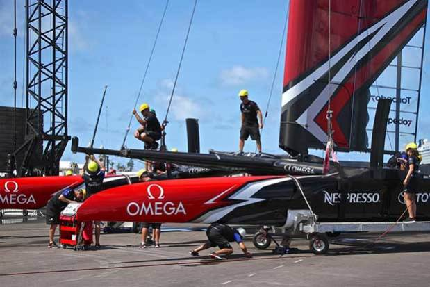Support crews de-rig Emirates Team New Zealand on Wednesday June 21, 2017 © Richard Gladwell www.photosport.co.nz