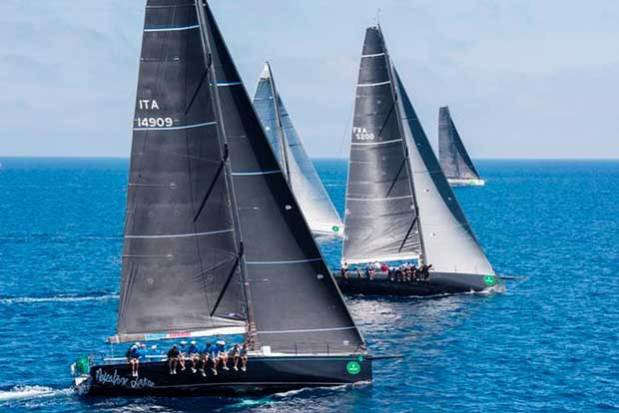 Mascalzone Latino and Arobas 2 in close competition at the start of the 241-nm offshore race – Giraglia Rolex Cup © Rolex/ Kurt Arrigo http://www.regattanews.com