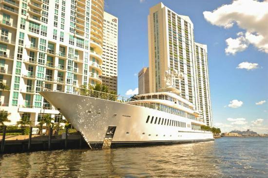 Motor Yacht Fountainhead Feadship Yacht Harbour