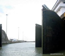 Double lock gates at exit to Gatun Lake