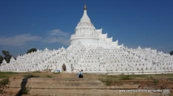 dazzlingly white Hsinbyume Paya