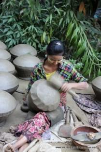 afternoon stop at potting village of Yandabo