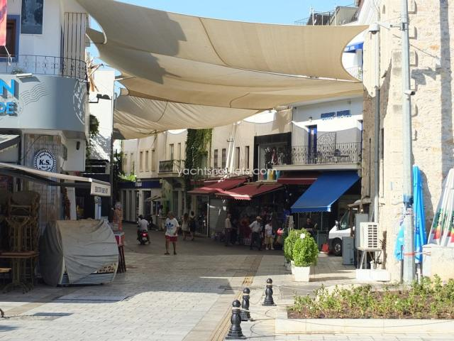Bodrum harbour marketplace