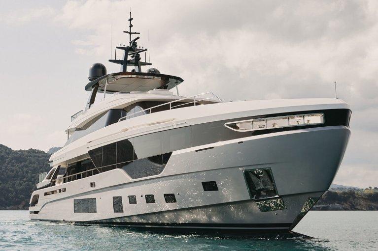 MarineMax, FLIBS, Fort Lauderdale, Boat Show, Azimut, Grande Trideck, 53, Verve 42, Galeon 325 GTO, 640 Fly, Aquila, 70 Luxury, 54 Yacht, catamaran, boat, yacht,