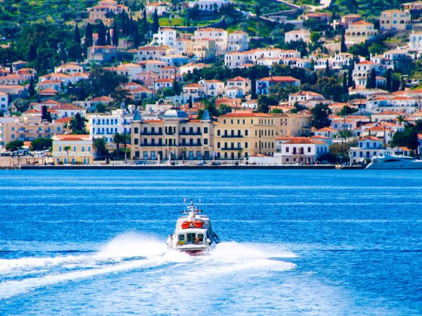 choose spetses argosaronic island for your summer vacations in greece and rent a villa from our luxurious collection