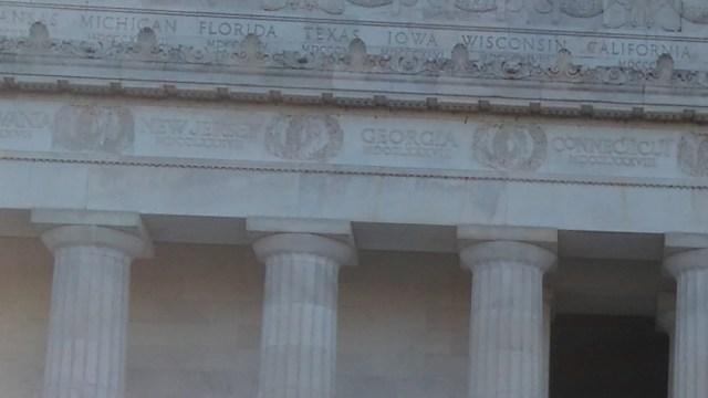 リンカーン記念堂の柱