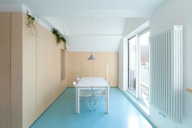 閉鎖的な壁を取り払ったくつろぎの空間「Loft Amsterdam」