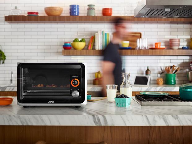 家でもレストランの焼き加減を。スマホで管理できるハイテクオーブン「June」| IoTがつくる未来の家
