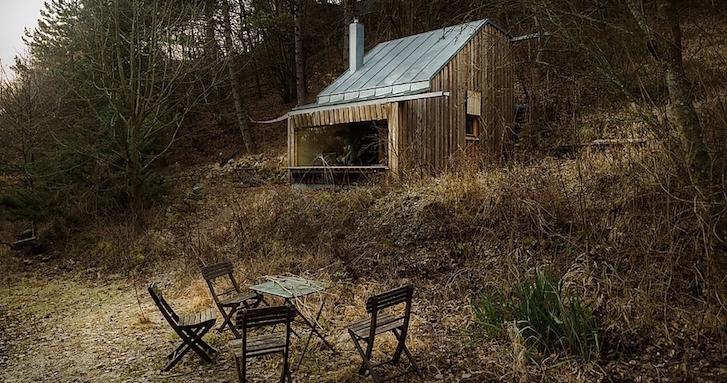ストレスを抱える現代人のための癒やしの小屋。オーストリアの田舎に佇むスモールハウス