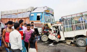 Indian Road accedent (TOI pic)