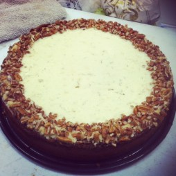 pumpkin cheese cake with pecans and Hazelnut liqour (2)