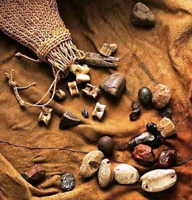 ERINDILOGUN = Cowrie-Shells Divination - Chief Yagbe Awolowo