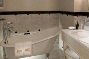 الحمام في فندق بيرا جميرا اسطنبول