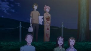Hikigaya Hachiman (比企谷 八幡) & Yuigahama Yui (由比ヶ浜 結衣) are in trouble for finding some space to watch the fireworks. (Yahari Ore no Seishun Love Comedy wa Machigatteiru. Yahari Ore no Seishun Love Come wa Machigatteiru. Yahari Ore no Seishun Rabukome wa Machigatte Iru. Oregairu My Youth Romantic Comedy Is Wrong, as I Expected. My Teen Romantic Comedy SNAFU やはり俺の青春ラブコメはまちがっている。 俺ガイル 果然我的青春戀愛喜劇搞錯了。 ep 9)